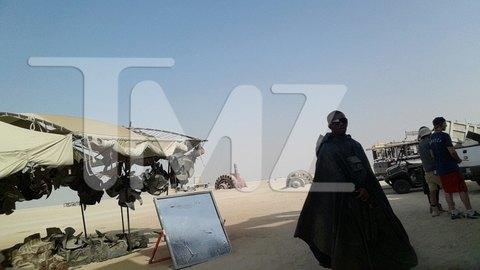 В сеть попали первые снимки со съемочной площадки новых «Звездных войн». Изображение № 1.