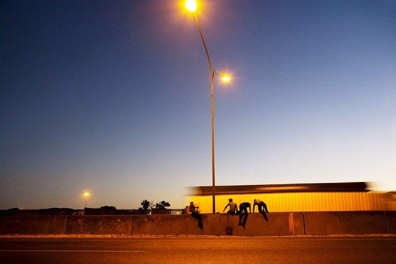 Как выглядит дворовый футбол на окраинах Кейптауна. Изображение № 8.