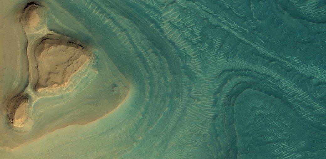 Новые фотографии поверхности Марса, опубликованные агентством NASA. Изображение № 1.