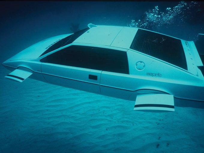 Автомобиль-подлодка Джеймса Бонда выставлен на аукцион. Изображение № 2.