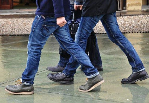 Житель Краснодара сломал другу челюсть из-за одинаковых джинсов . Изображение № 1.