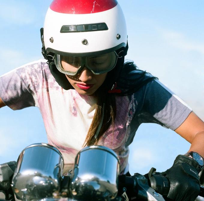 La Motocyclette: Американская фотовыставка доказывает право девушек называться байкерами. Изображение № 3.