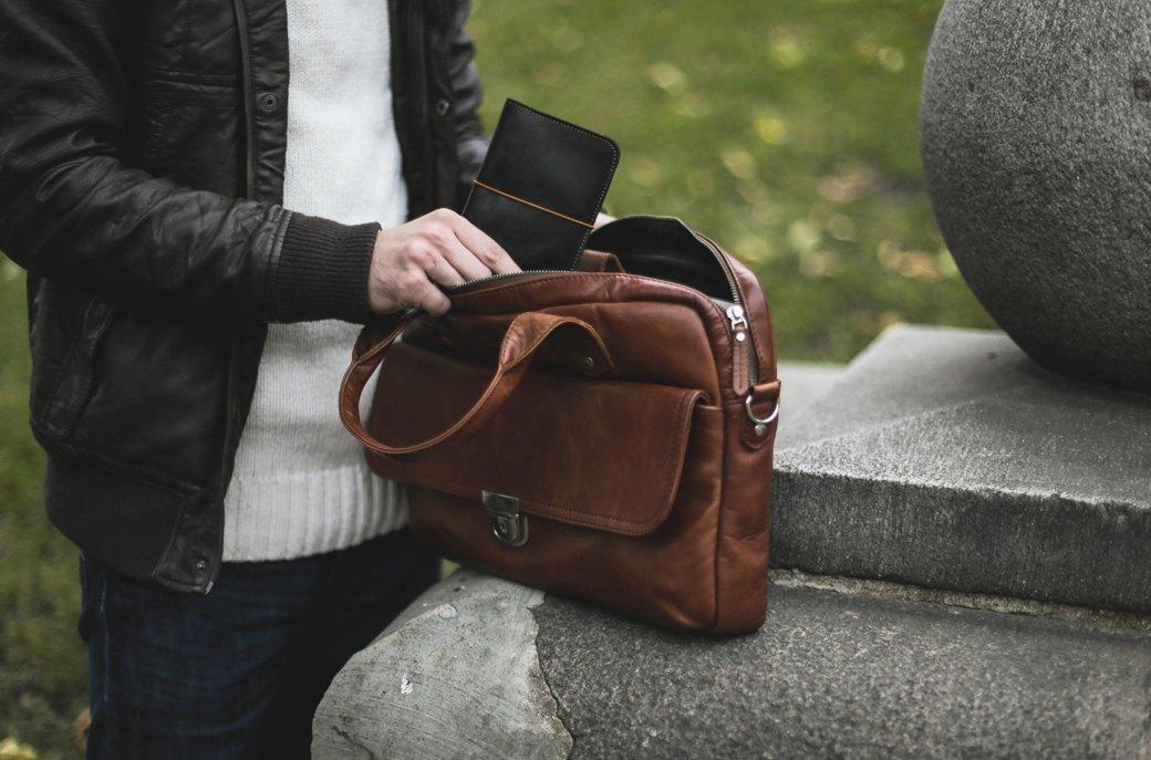 Новая марка: Кожаные сумки и аксессуары Ray Button. Изображение № 3.