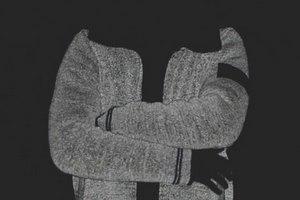 Марка Stone Island выпустила новую коллекцию одежды, светящейся в темноте. Изображение № 5.