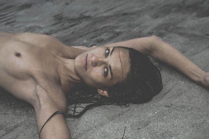 Шведская модель Ханна Стурше снялась для журнала Treats!. Изображение № 2.