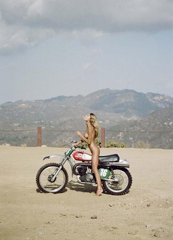 Хенрик Пурьенн сфотографировал модель Сахару Рэй для нового номера журнала Lui Magazine. Изображение № 8.