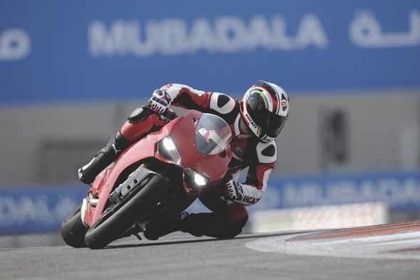 Первые испытания мотоцикла Ducati Panigale. Изображение № 4.