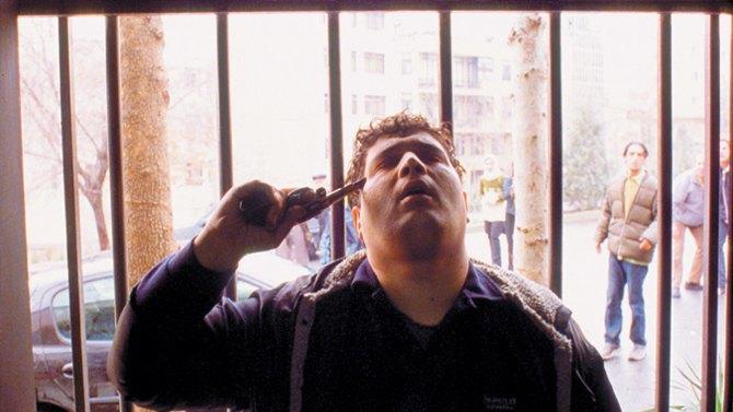 Флешка в торте и камера-айфон: Как Джафар Панахи борется за право снимать кино. Изображение № 2.