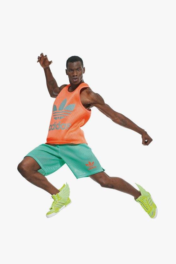 Adidas Originals и Джереми Скотт выпустили лукбук новой коллекции. Изображение № 18.