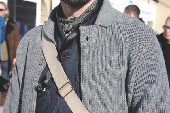 Детали: Репортаж с выставки мужской одежды Pitti Uomo. День первый. Изображение № 56.