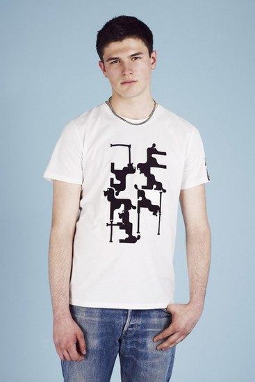 Французская марка A.P.C. выпустила лукбук весенней коллекции одежды. Изображение № 22.