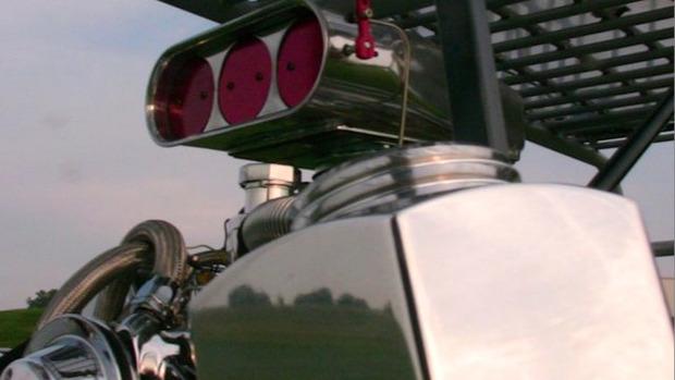 В США  тележку для супермаркета оснастили 290-сильным двигателем. Изображение № 5.