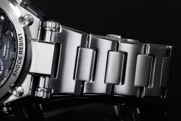Марка Casio выпустила металлические часы G-Shock . Изображение № 3.