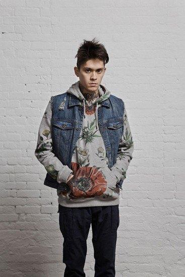 Марка 10.Deep выпустила лукбук весенней коллекции одежды. Изображение № 17.