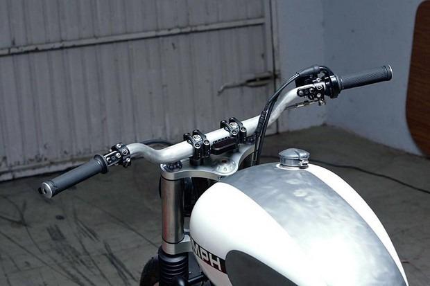Испанская мастерская Kiddo Motors представила кастом модели Triumph Thruxton. Изображение № 8.