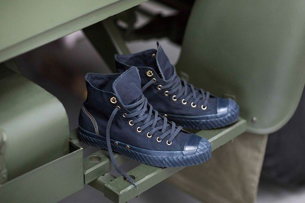 Марки Nigel Cabourn и Converse представили совместную коллекцию обуви. Изображение № 9.