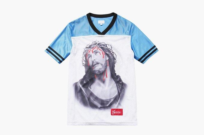 Марка Supreme выпустила футболки с изображением Иисуса. Изображение № 6.
