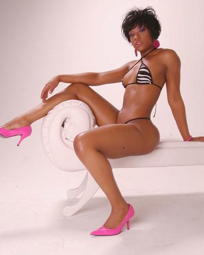 Поп-дивы: Гид по самым популярным девушкам в хип-хоп-клипах. Изображение № 51.