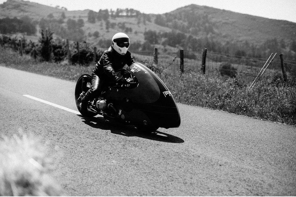 Фоторепортаж с мотоциклетного фестиваля Wheels & Waves. Изображение № 21.