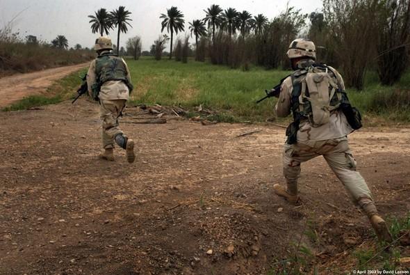Военное положение: Одежда и аксессуары солдат в Ираке. Изображение № 38.