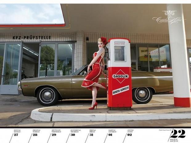 10 эротических календарей на 2013 год. Изображение № 83.