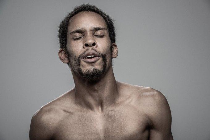 Фотограф снимал лица людей после удара шокером. Изображение № 9.