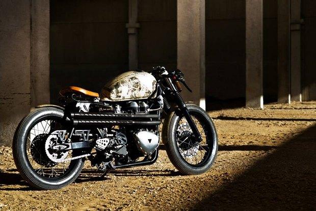 Итальянская мастерская Centro Modo Lodi представила «королевский» кастом модели Triumph Thruxton. Изображение № 3.