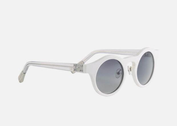 Дизайнер Крис Ван Аш выпустил летнюю коллекцию солнцезащитных очков. Изображение № 9.