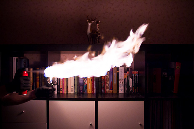 Власть огня: Испытание дезодорантов на длину пламени. Изображение №10.
