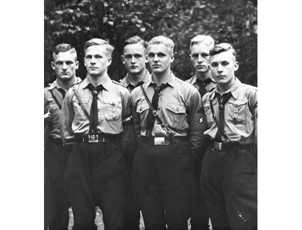 Прическа мужская в фото 1940 года