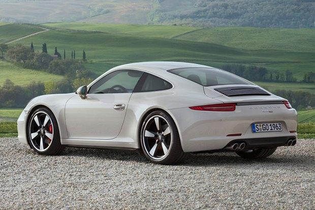Porsche представили юбилейную версию легендарного спорткара 911. Изображение № 3.