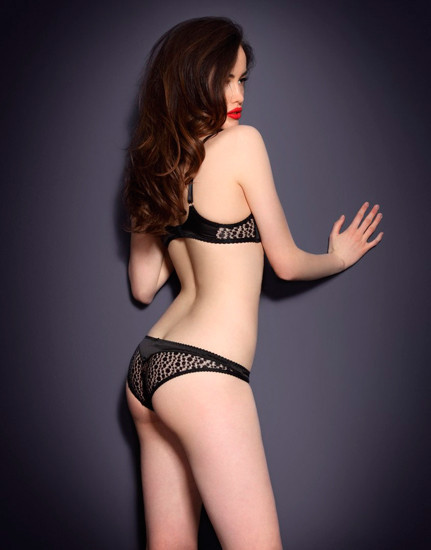 Австралийская модель Сара Стивенс снялась в рекламе Agent Provocateur . Изображение № 15.