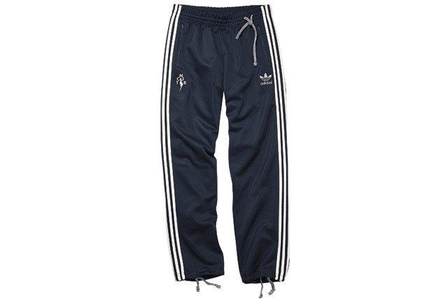 Марка Adidas и дизайнер Марк МакНейри представили совместную коллекцию одежды. Изображение № 17.