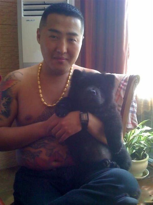 Китайский бандит потерял телефон с коллекцией личных фото: смотрим и обсуждаем. Изображение № 18.