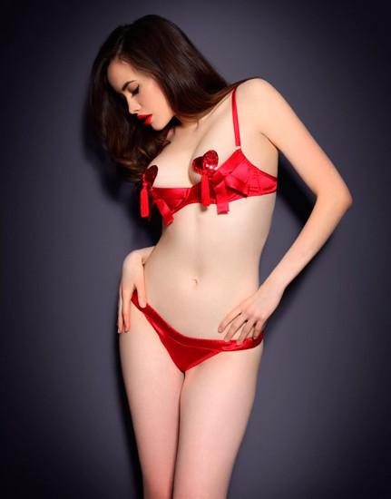 Австралийская модель Сара Стивенс снялась в рекламе Agent Provocateur . Изображение № 35.
