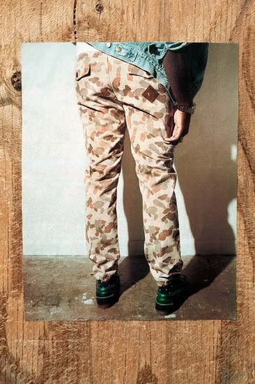 Американский ритейлер Вodega опубликовал лукбук осенней коллекции одежды. Изображение № 4.