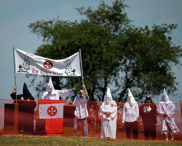 Ку-клукс-клану разрешили провести акцию протеста против Обамы. Изображение № 1.