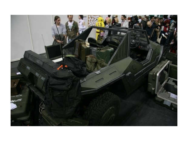 Англичанин превратил Land Rover в бронемобиль из игры Halo. Изображение № 10.
