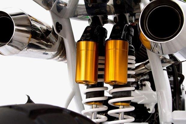 Мастерская Deus Ex Machina представила кастом на базе Yamaha SR400 . Изображение № 5.