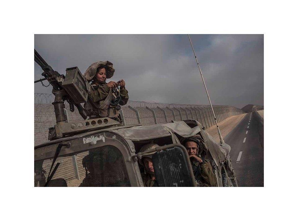 Фотопроект: Как служат женщины в армии Израиля. Изображение № 41.