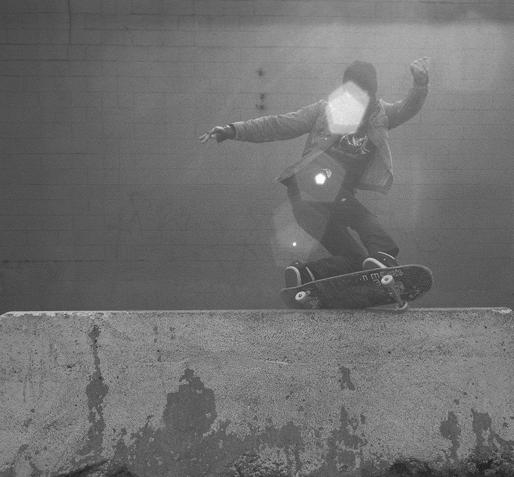 BA.KU.: Фотопроект о загадочной субкультуре канадских скейтеров-металлистов. Изображение № 7.