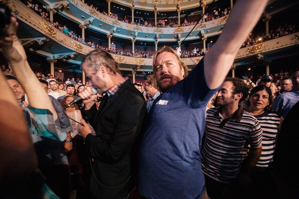 «Мой старший брат — рок-звезда, а я смешной толстый парень»: Интервью с режиссером Томом Бернингером. Изображение № 1.