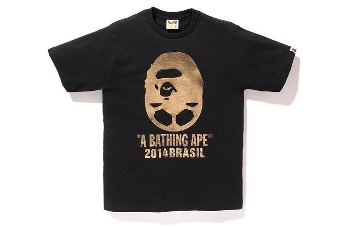 Марка A Bathing Ape представила коллекцию, посвящённую чемпионату мира по футболу в Бразилии. Изображение № 2.