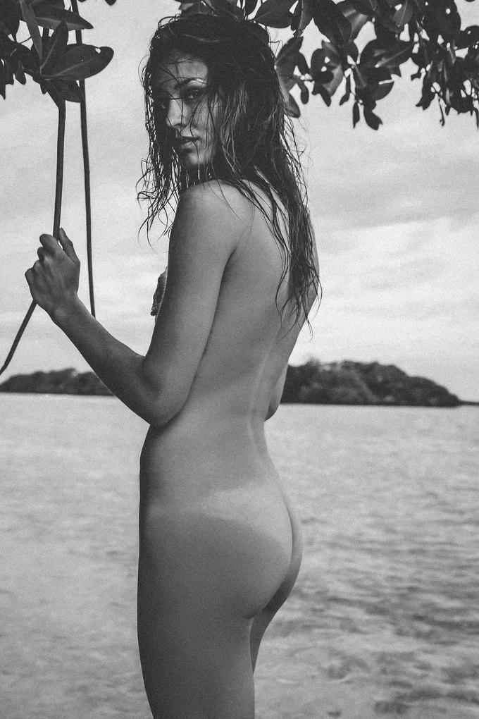 Шведская модель Ханна Стурше снялась для журнала Treats!. Изображение № 3.