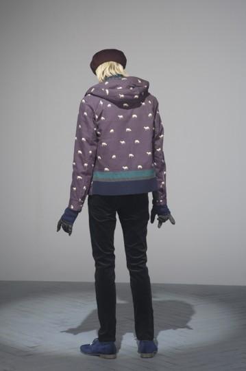 Японская марка Undercover выпустила лукбук осенней коллекции одежды. Изображение № 14.
