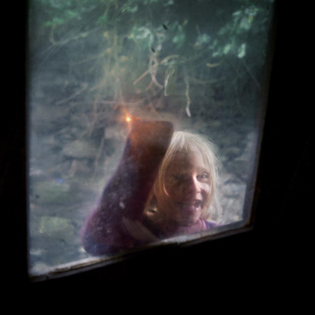 Фотопроект: Как испанские нудисты и нью-эйджеры восстанавливают заброшенные селения. Изображение № 2.