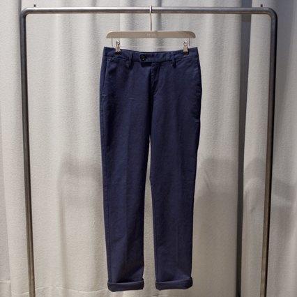 5 красивых продавщиц в магазинах одежды выбирают вещи для парня мечты. Изображение № 18.