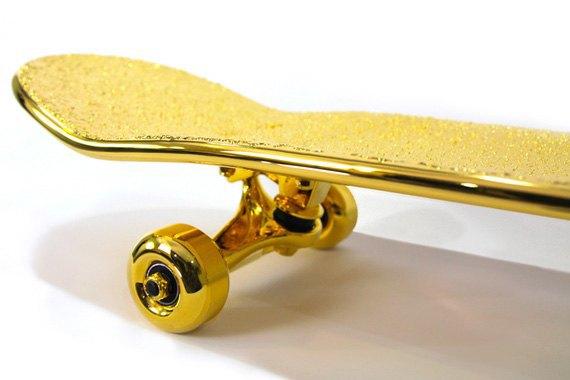 Марка Shut представила золотой скейтборд. Изображение № 2.