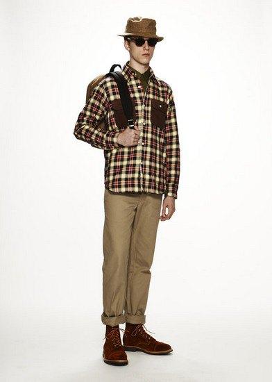 Марка Woolrich Woolen Mills опубликовала лукбук осенней коллекции одежды. Изображение № 13.