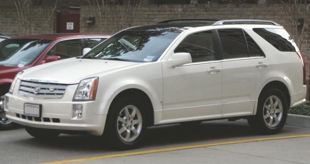 Фотография предыдущего поколения Cadillac SRX со страницы в «Википедии». Изображение № 21.